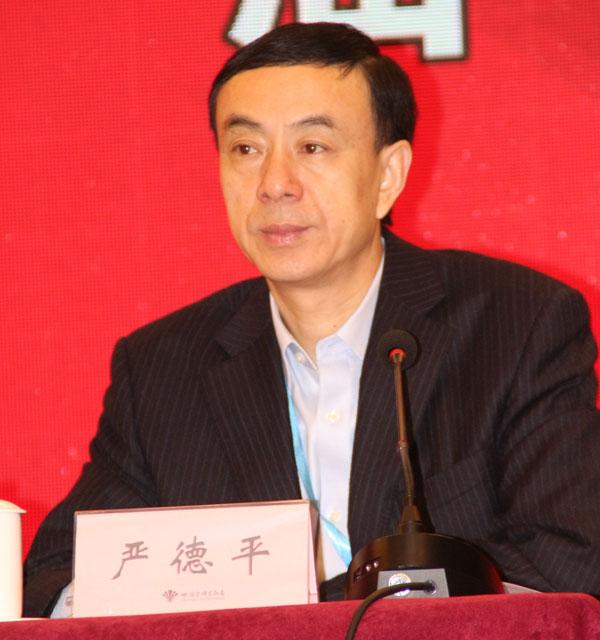 中国必威登录网址技术协会柔性版必威登录网址分会副理事长、合肥恒鑫环保科技有限公司总经理严德平